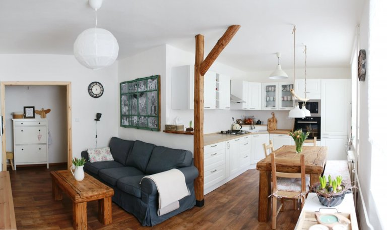Panelákový byt v chalupářském stylu