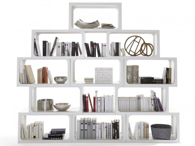 Police na knihy jako výstřelek designérů