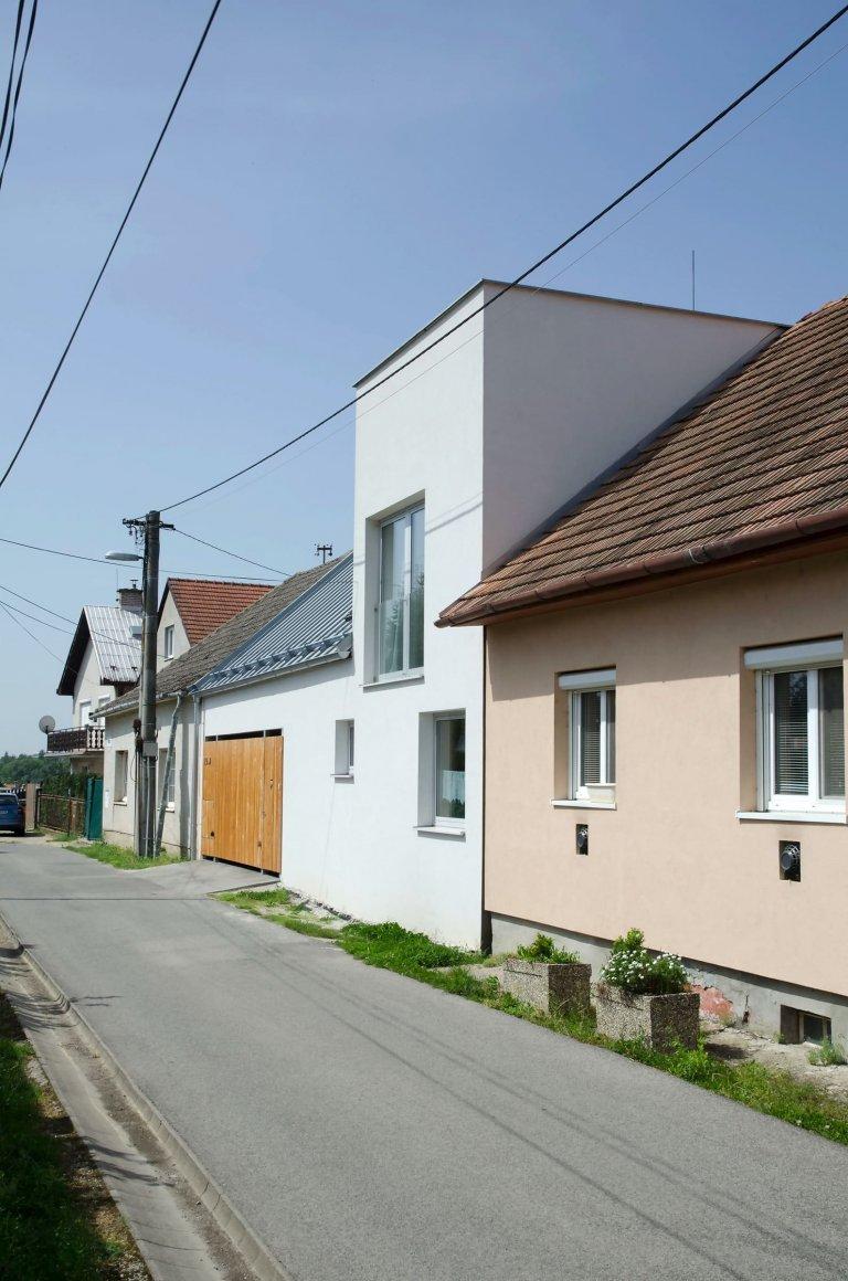 Rekonstrukce domu ve venkovské zástavbě