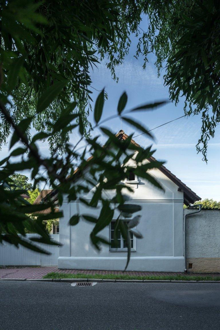 Rekonstrukce stoletého rodinného domu se stodolou