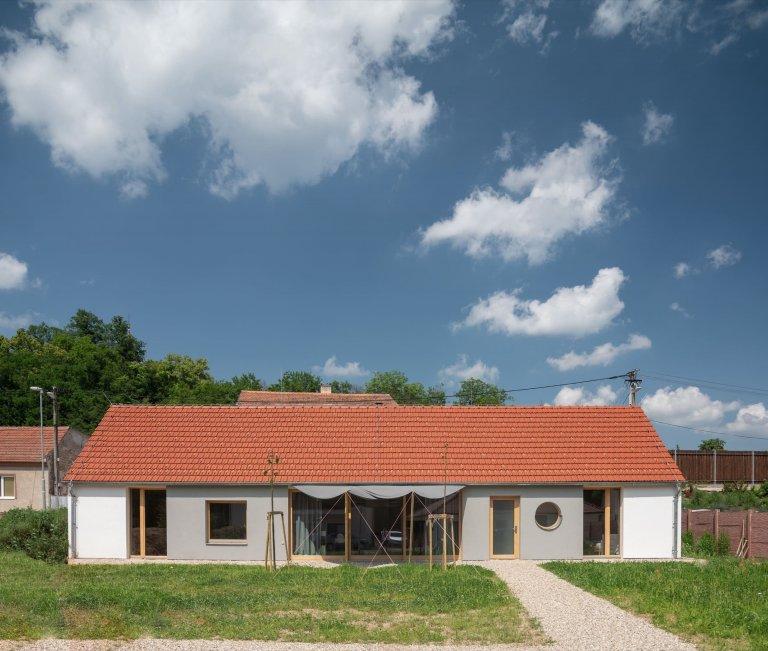 Tradiční venkovský dům v novém kabátě