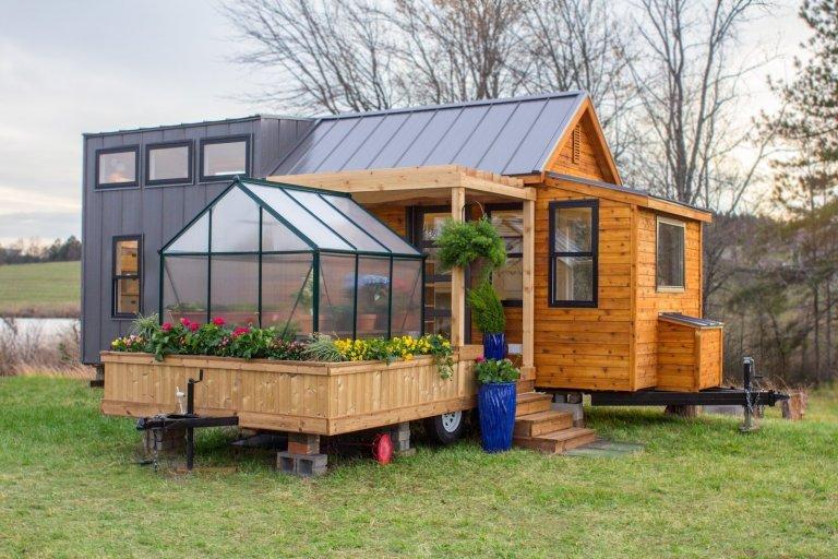 Unikátní tiny house se skleníkem