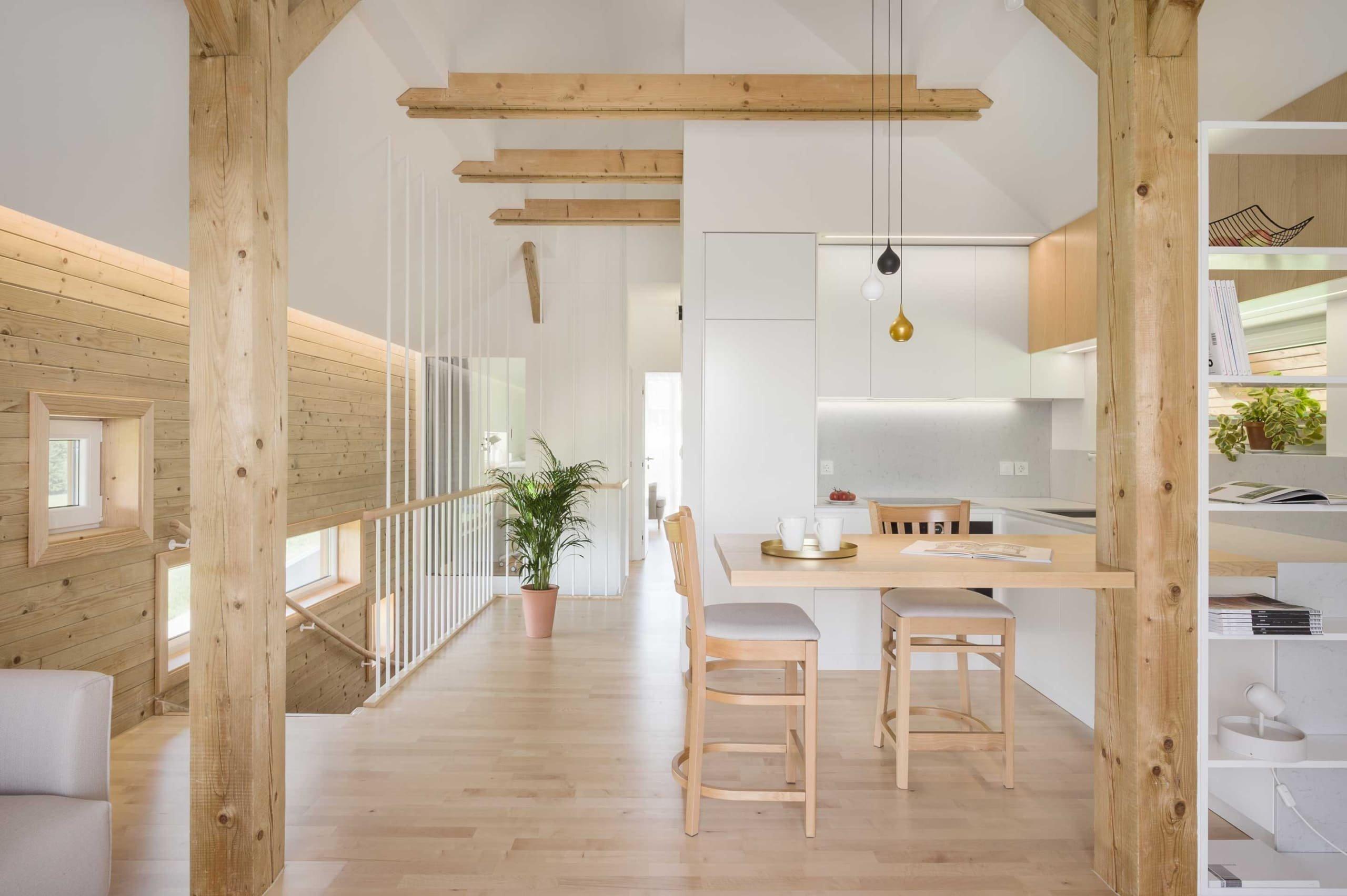 Vzdušné bydlení v objetí dřeva