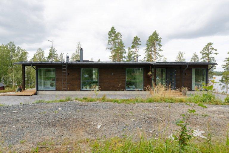 KONTIO Glasshouse je dřevěný dům z lepených hranolů SmartLog o rozměrech 205x275 (inovativní technologie SmartLog zamezuje sedání dřeva). Tento Glasshouse s…