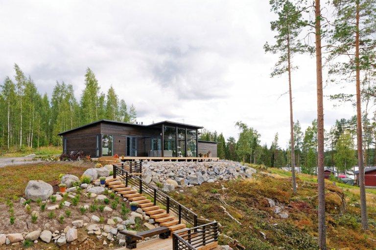 Dřevěný dům KONTIO Glasshouse 150