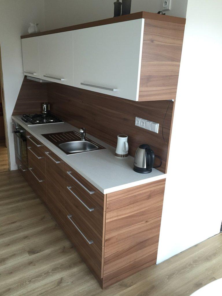 kuchyňská linka v panelovém domě