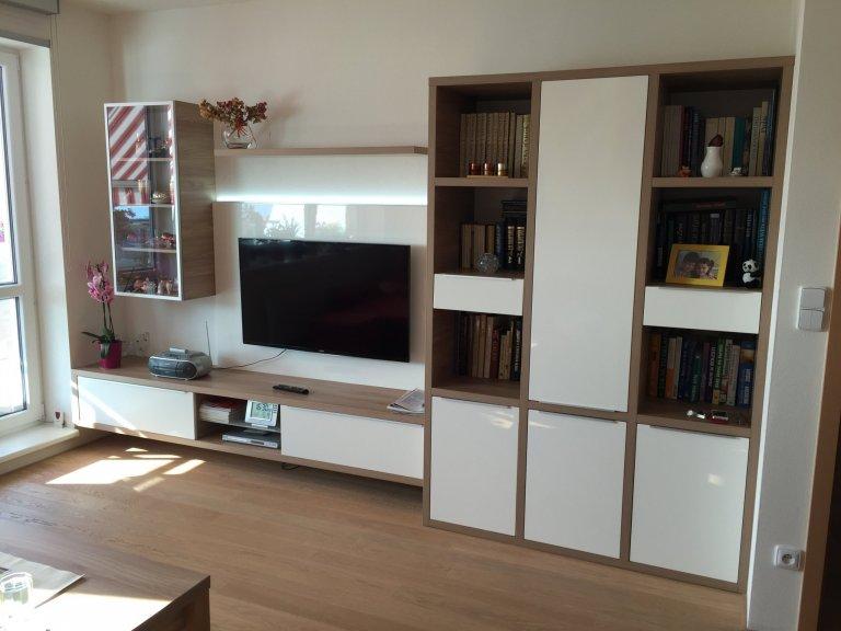 obývací pokoj s kuchyní