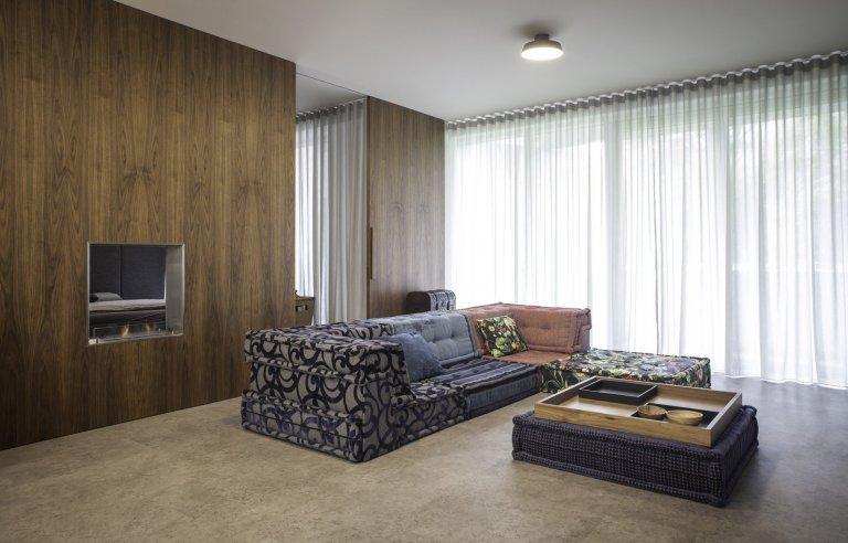 Představujeme vám náš oblíbený interiér.Při kompletní rekonstrukci jsmestávající prostor s mnoha zdmi maximálně otevřeli.  Všechny stěny jsme…