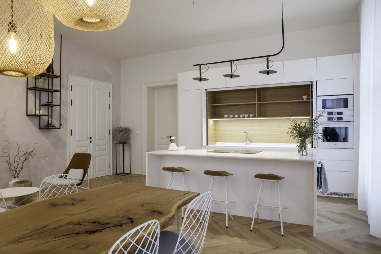 Kuchyň se zasouvacími panely