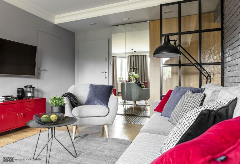 Osobitý interiér - bydlení s šedou