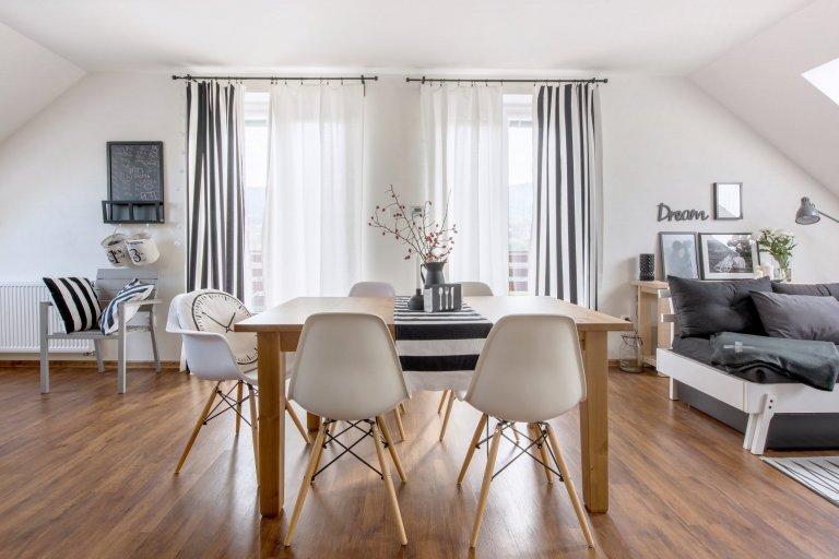 Realizace obývacího pokoje s kuchyní