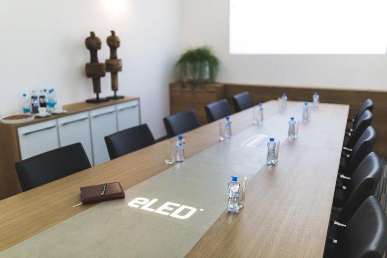 Stůl v kombinaci s MALDECOR BETONEM