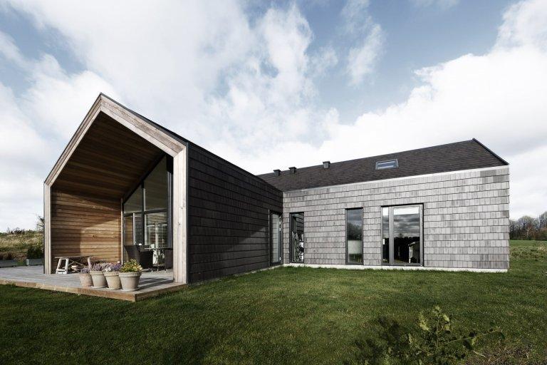 Dům s fasádou z cihlových šindelů