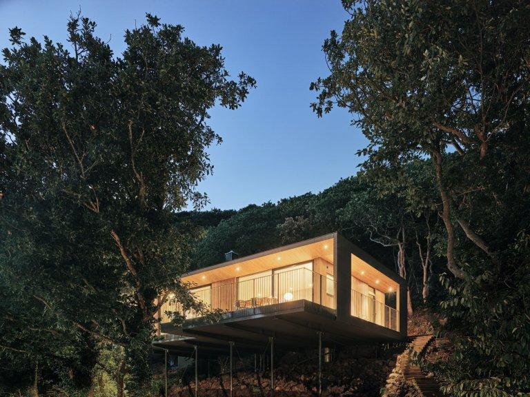 Letní dům v korunách stromů