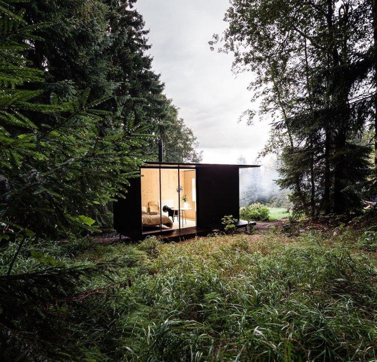 Víkendová chata i dům na část života. Tím vším může být tiny house