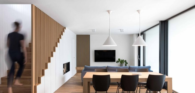 Nadčasový minimalistický interiér