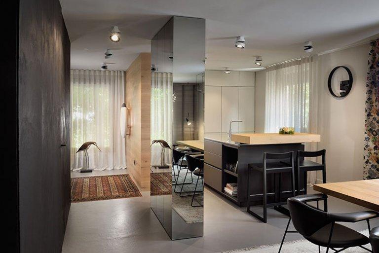 Odvážný eklektický interiér rodinného domu
