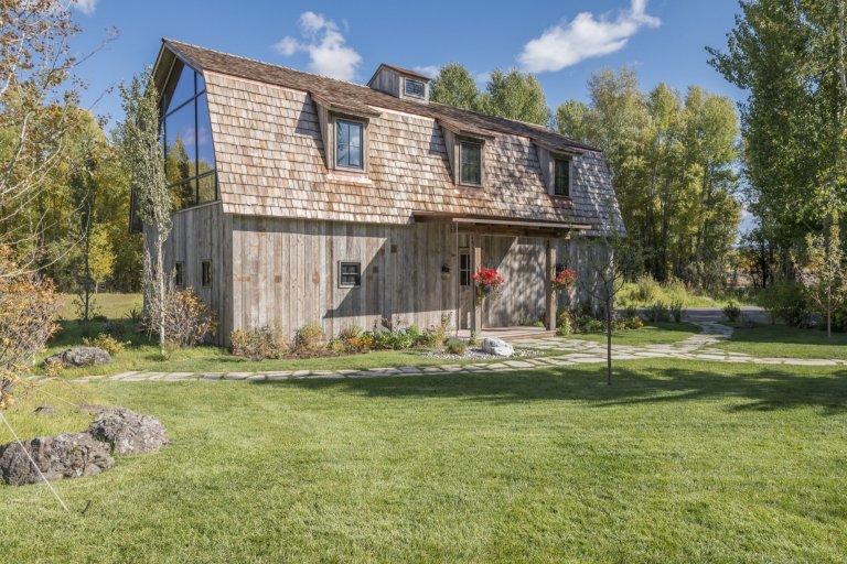 Rustikální stodola v moderním retro stylu