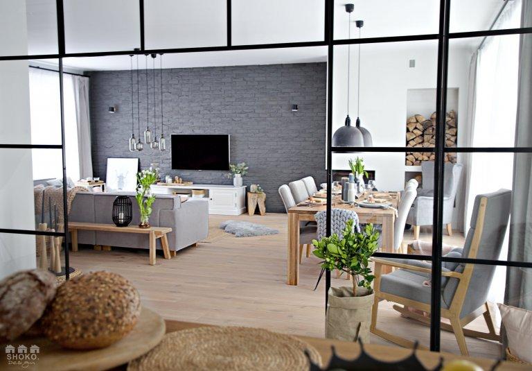 Skandinávský byt s prosklenou stěnou a tipy jak na scandi styl