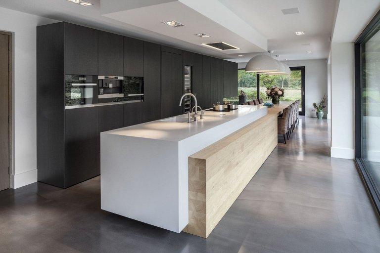 Venkovský dům s minimalistickým interiérem