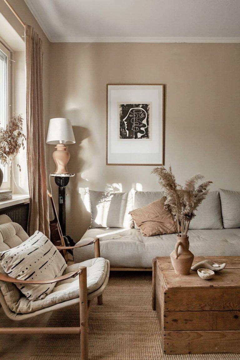 Zemité barvy a přírodní materiály interiéru sluší