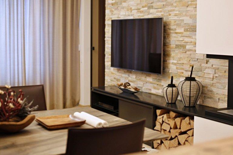 Při plánování svého horského apartmánu v Krkonoších vsadili majitelé na výrazovou čistotu, jednoduchost a přírodní materiály.  V luxusním apartmá jednoduché…