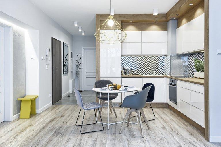 Moderní byt v šedé barvě