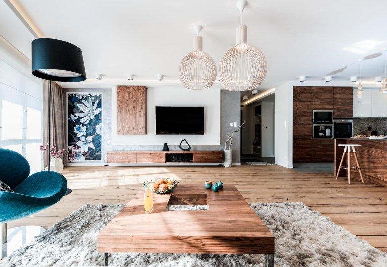 Prostorný moderní interiér