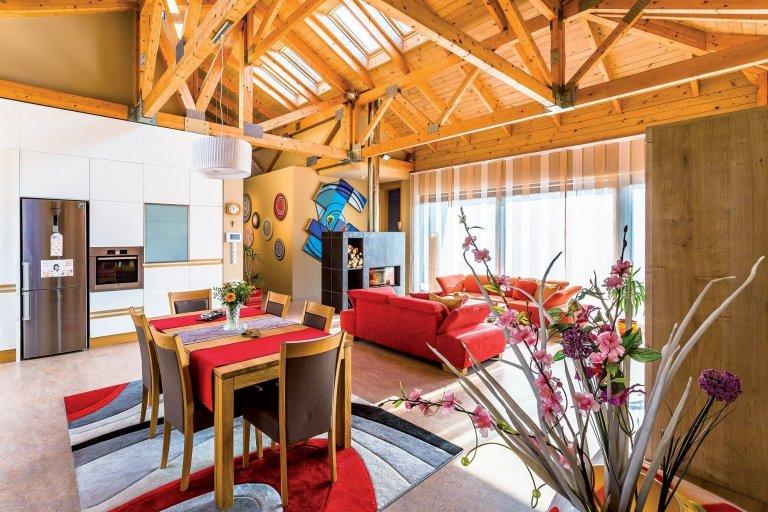 Prosvětlený bungalov s hravým interiérem