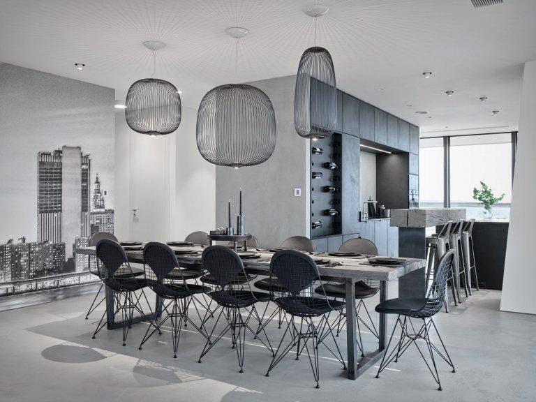 INTERIÉR BYTUV-Tower  Dispozice – Jedná se o novostavbu s pevně danou dispozicí. Dominantou tohoto interiéru je téměř 360° panoramatický…