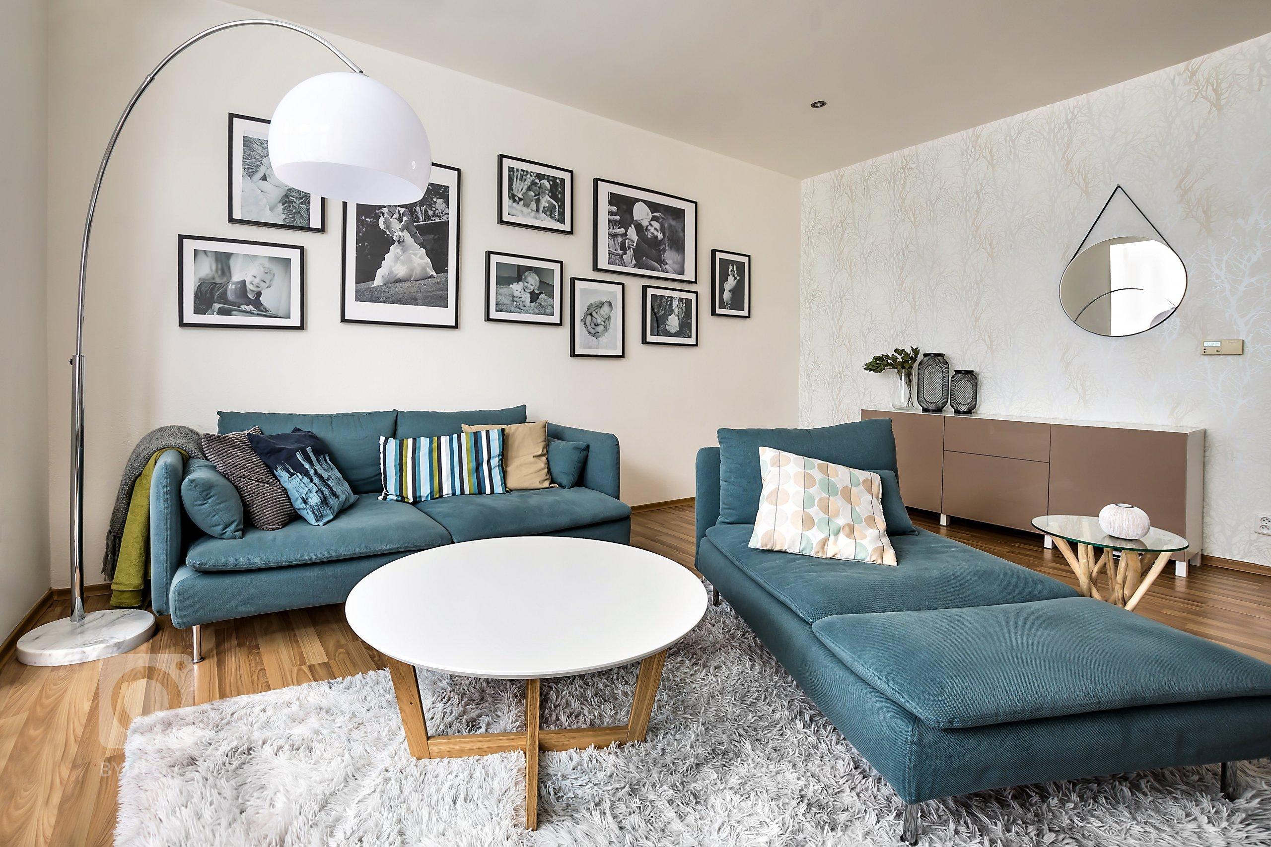 původním přáním majitelů bylo pouze vyměnit sedačku, koberec a skříňky u televize v obývacím pokoji... Nakonec jsme úplně obrátili dispozici pokoje, což u…