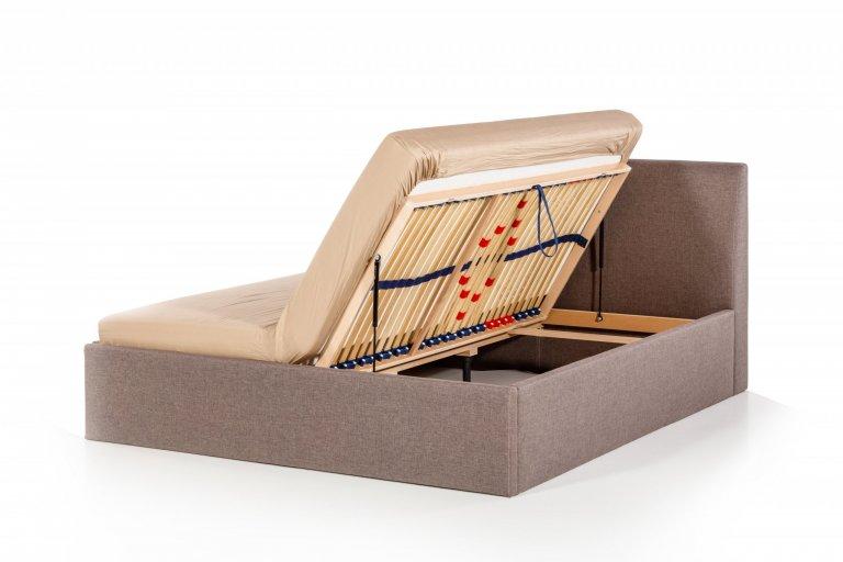 Čalouněná postel s mírně zkoseným čelem pro pohodlné opření.  - stabilní pevná konstrukce - pohodlná výška pro vstávání 45 cm - nastavení úrovně výšky…