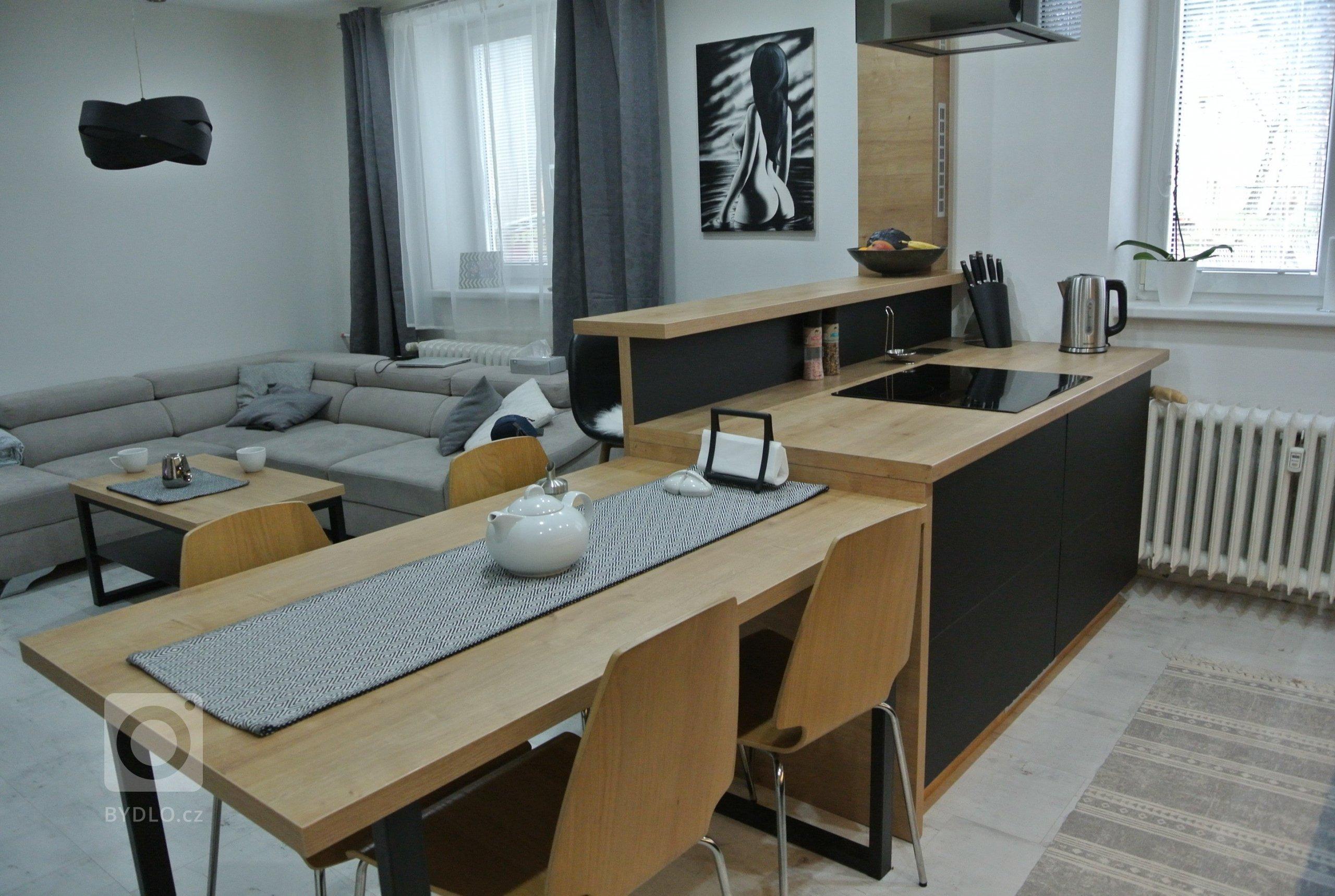 Návrh a rekonstrukce kuchyně a obývacího pokoje ve starší cihlové zástavbě.