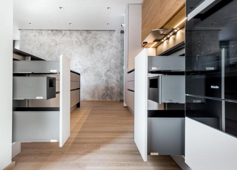 Kuchyně EXCLUSIVE | KASHMIR EVERMATT - KOMFORT KOMBINOVANÝ S ÚČELNOSTÍ  Prostor sdíleného požitku i místo pro seberealizaci. Kuchyně Exclusive Kasmir…