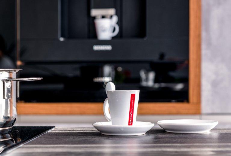 Kuchyňská linka v barvě betonu podtrhne originalitu Vašeho domova. Je skvělým prostředkem k docílení architektonické svéráznosti a navíc dokáže potlačit…