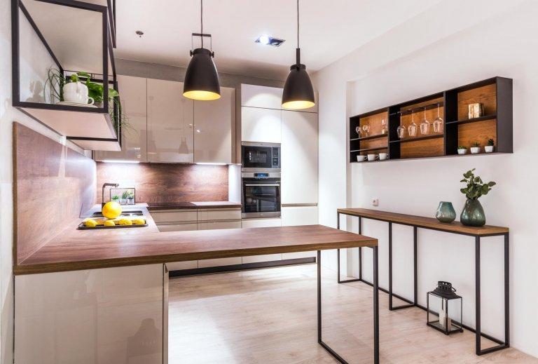 Odlehčená kuchyně s moderními prvky