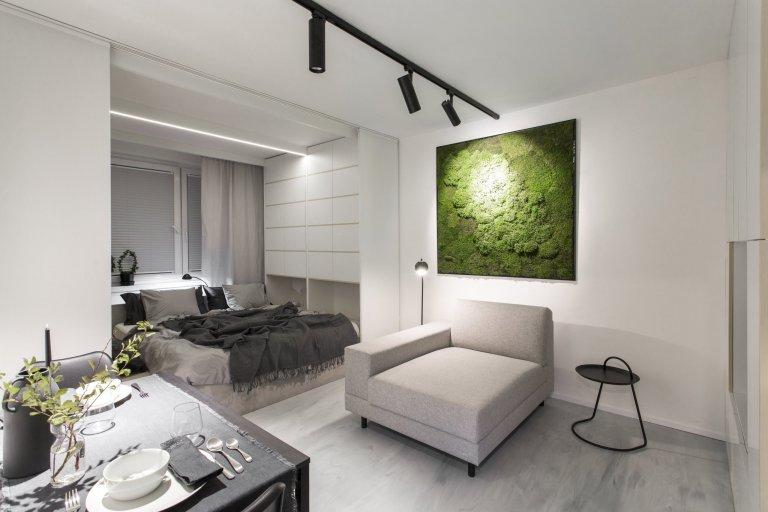 Epoxidovástěrka byla zakomponována do celého interiéru bytu, kde vytvořila čistý a minimalistický vzhled. Majitelé si vybrali toto provedení mimo jiné z…