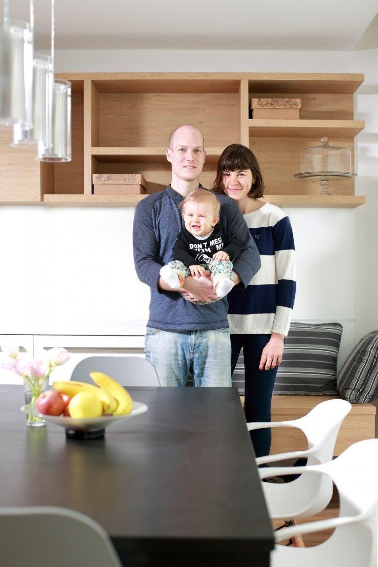 Ze dvou bytů jeden  Interiér panelového bytu stakto velkorysou dispozicí se podařilo vytvořit propojením dvou sousedících bytových jednotek. Majiteli…
